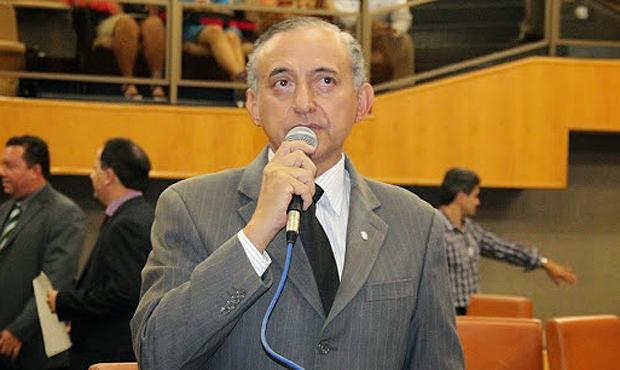 Tucano Anselmo Pereira foi autor de requerimento que pede visita a Nelcivone Melo, da Comurg. Foto: Alberto Maia/Câmara de Vereadores de Goiânia