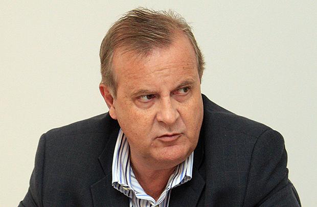 "Prefeito Paulo Garcia:  ""Serviço de coleta de lixo deve ser público"""