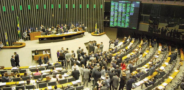 Câmara dos Deputados: lugar pretendido por centenas de políticos goianos a cada pleito, mas alcançado só por 17 deles / Foto: André Alves - Agência Câmara