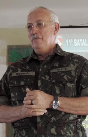 """General do Exército Brandão: """"Não abrimos mão de fazer bem feito"""""""