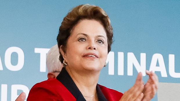 Dilma Rousseff caiu 1 ponto, mas mantém dianteira sobre os adversários Foto: Ricardo Stuckart Filho/ABr