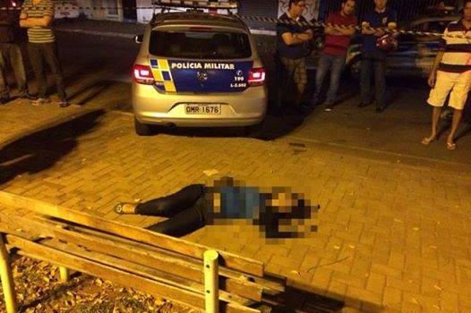 Na foto, jovem que foi morta no Centro. Ela estava acompanhado do namorado. Foto: Reprodução/AgMais