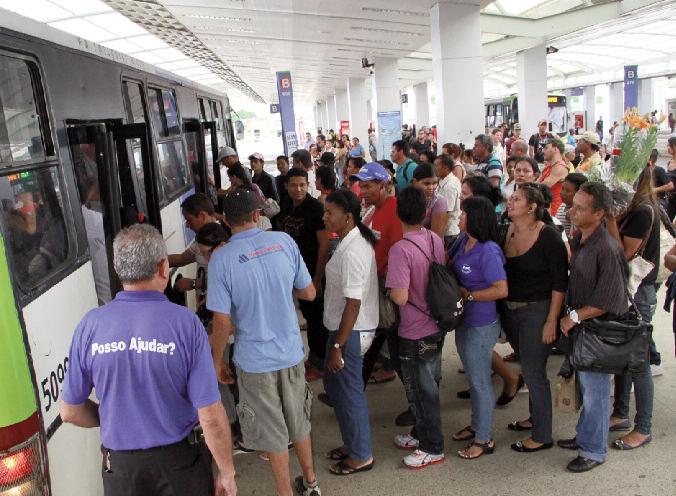 """Iris colocou centenas de ônibus novos na  rua e reformou terminais. Agora, o problema do transporte é, realmente, uma questão nacional"""""""
