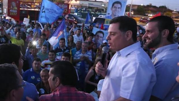 Marconi Perillo (PSDB) ao lado do democrata Paulo Sérgio