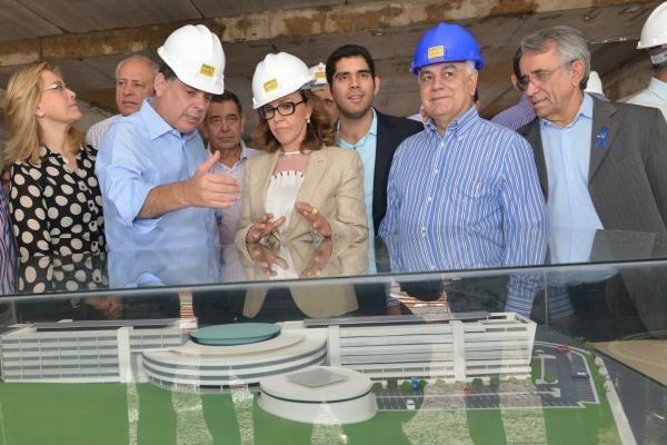 Presidente Helio de Sousa recebe governador Marconi Perillo | Foto: Carlos Costa/Assembleia Legislativa