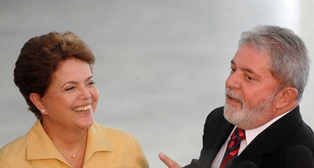 Dilma Rousseff e Lula da Silva, petistas-chefes: apesar de falar  em impeachment, imprensa não acusa presidente e ex-presidente | Foto: Wilson Dias/Abr