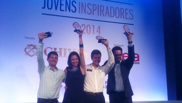 Lucas e os outros vencedores do prêmio, na solenidade em São Paulo   Foto: arquivo pessoal