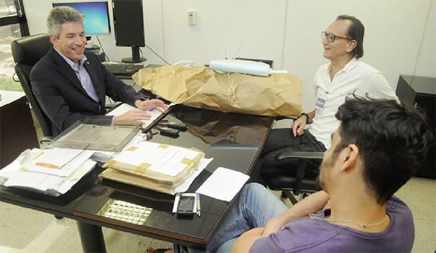"""Procurador Helio Telho fala aos editores Cezar Santos e Elder Dias: """"Quem financia eleição de alguém faz negócio"""""""