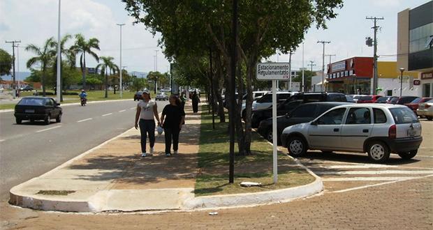 """""""Não há nenhuma cidade em que a pessoa possa estacionar onde quiser pelo tempo que quiser"""", afirma o arquiteto e urbanista"""