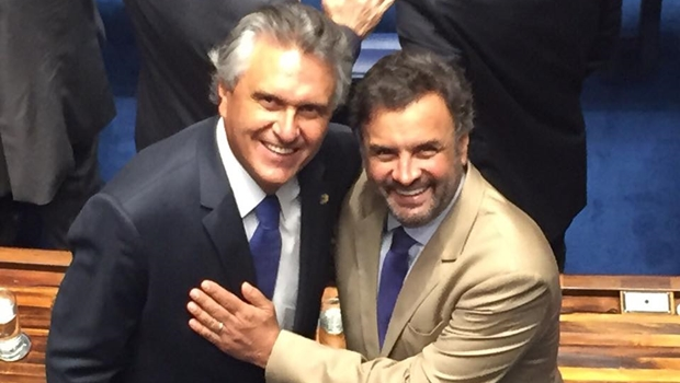 Senador recém-empossado Ronaldo Caiado (DEM) e o senador Aécio Neves (PSDB), na tarde deste domingo (1º/2) no Senado   Foto: reprodução / Facebook Ronaldo Caiado