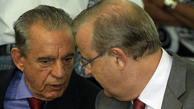 Iris Rezende e Paulo Garcia: o primeiro não gosta nem de aparecer em fotos com o segundo, pois quer descolar sua imagem da do petista