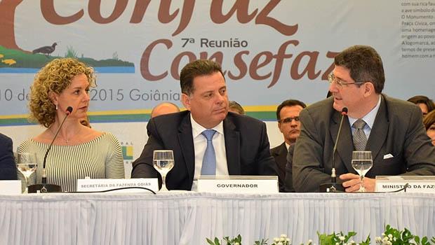 Levy: no Confaz, com Marconi e Ana Carla; e no Fórum, com Aldo | Foto: Eduardo Ferreira