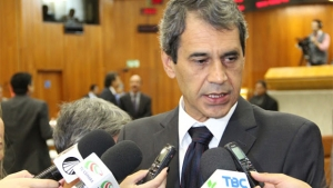 """Carlos Soares: """"Índice de 25% é pagável""""  Foto: Eduardo Nogueira/Câmara de Goiânia"""