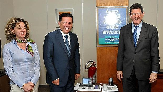 Ana Carla Abrão, da Sefaz, Marconi Perillo e o ministro Levy (à direita) | Fotos: Lailson Damásio/Governo de Goiás
