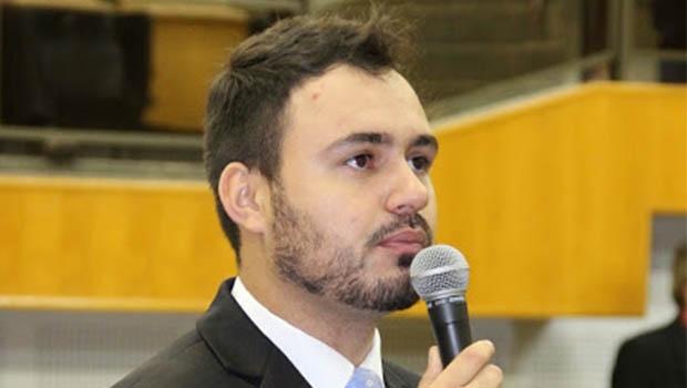 Mizair Lemes Jr. quer afastamento de discussões do PMDB municipal   Foto: Eduardo Nogueira/Câmara de Goiânia
