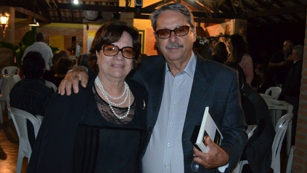 Walquires Tibúrcio e a esposa, Maria Berta   Foto: reprodução / Facebook