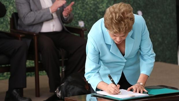 Presidente sancionou texto aprovado em junho pelo Congresso Federal| Foto: Lula Marques/ Agência PT