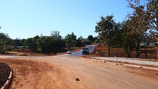 Prefeitura ajusta detalhes da continuação da Avenida Parque próxima ao Setor Novo Horizonte | Foto: Fernando Leite/Jornal Opção