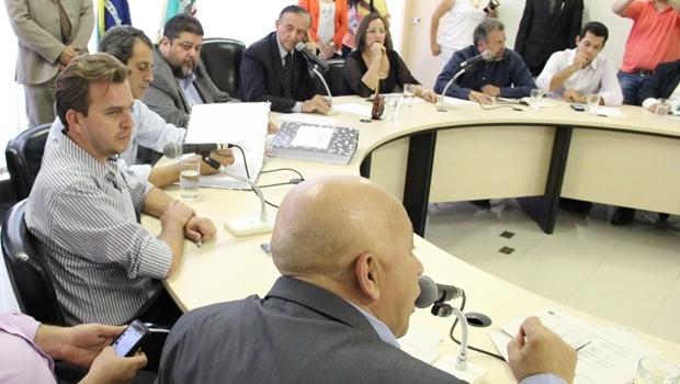 Vereadores durante a audiência pública na Câmara   Foto: Marcelo do Vale