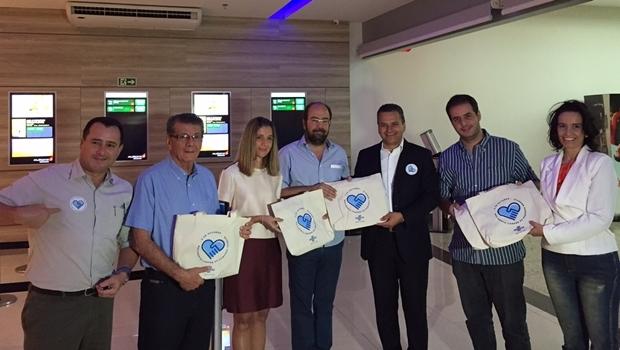 Igor Montenegro e representantes do Shopping Cidade Jardim | Foto: Alexandre Parrode / Jornal Opção