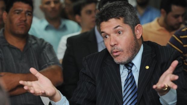 Delegado Waldir durante sabatina no PSDB | Foto: Renan Accioly / Jornal Opção