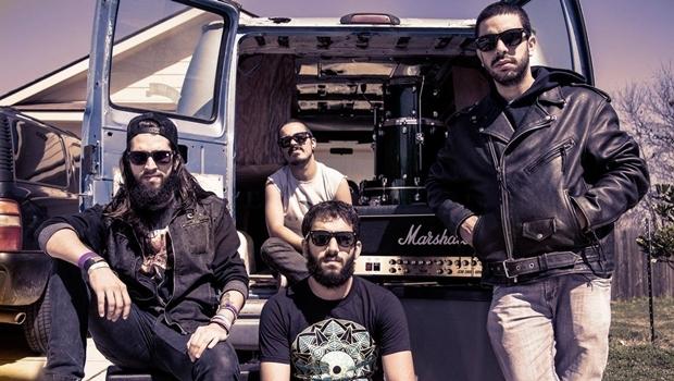 Augusto Chita, Diogo Fleury, Braz Torres e Rodrigo Andrade lançam em junho o disco Peyote, segundo da carreira do Hellbenders | Foto: Pedro Margherito