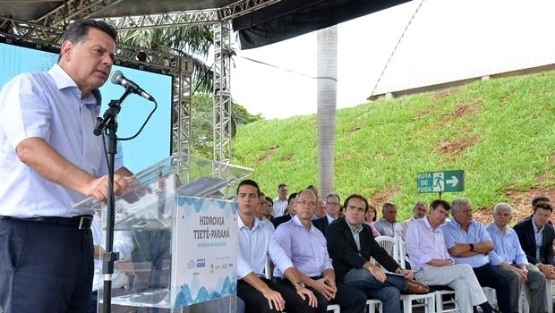 Governador Marconi Perillo (PSDB) falou sobre volta da navegação na hidrovia | Foto: Eduardo Ferreira