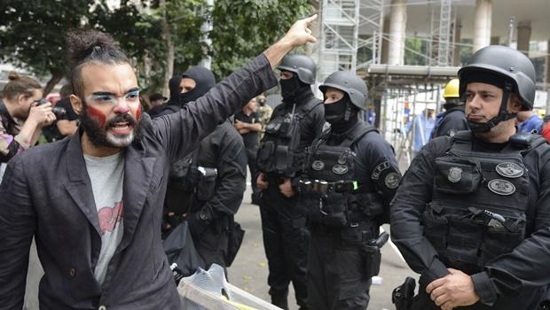 Manifestantes afirmam que continuarão com ocupação  Foto: Tomaz Silva/ Agência Brasil