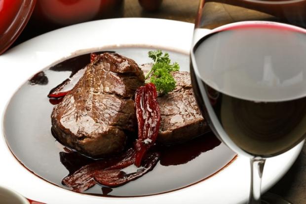 Vinho com carne vermelha 2