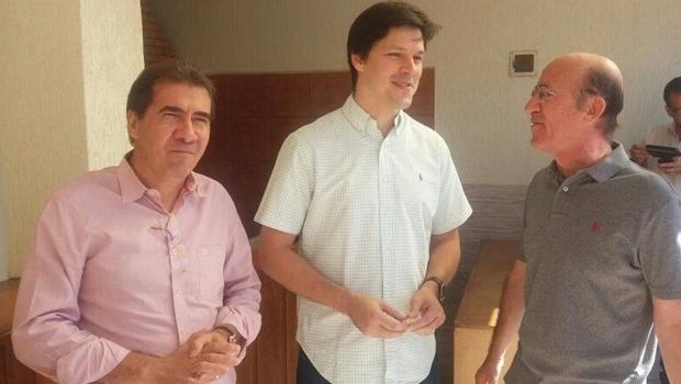 João Gomes, Daniel Vilela e Rubens Otoni em Anápolis   Foto: reprodução/ Facebook
