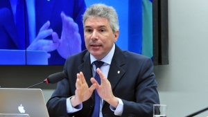 Helio Telho explica pontos polêmicos do projeto | Foto: Luis Macedo / Câmara dos Deputados