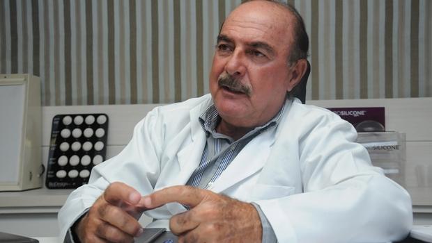 Dr. Zacharias Calil durante entrevista ao Jornal Opção | Foto: Renan Accioly