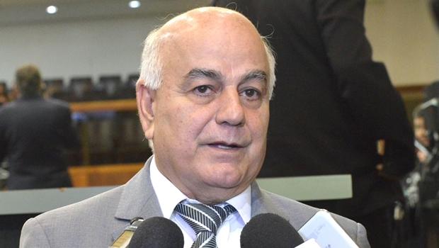Helio de Sousa durante coletiva de imprensa   Foto: Marcos Kennedy