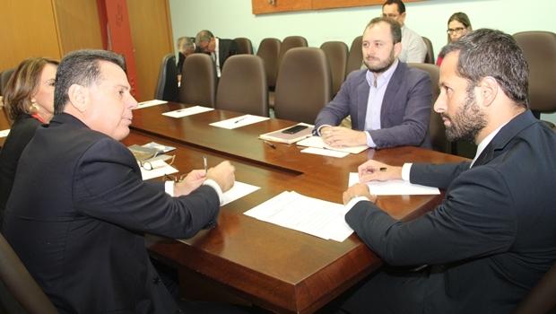 Secretária Raquel Teixeira, governador Marconi Perillo em audiência com o ministro Marcelo Calero | Foto: Humberto Silva