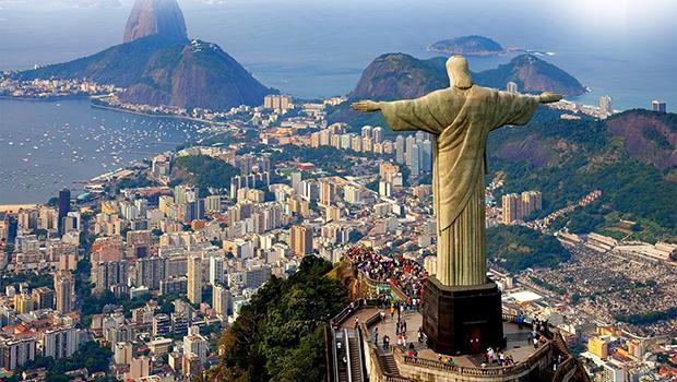 A cidade maravilhosa é tema da obra de Nireu Cavalcanti, que oferece um tour pelas mudanças que o Rio viveu de 1567 a 2015