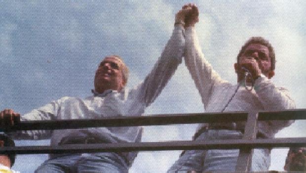 Celso Daniel com Lula da Silva: candidato a presidente da República, em 2002, o petista-chefe cobrou uma depuração na Prefeitura de Santo André; o prefeito pressionou a turma do caixa três e acabou assassinado