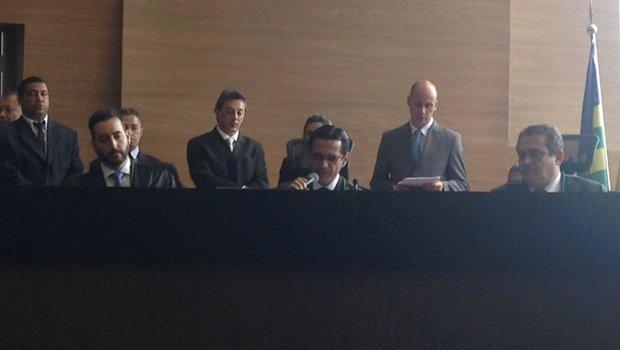Kennedy Trindade, ao centro, é empossado presidente   Foto: Bruna Aidar