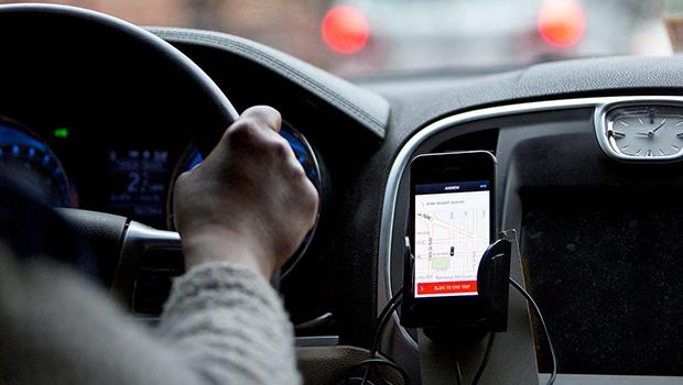 Veículos com mais de 8 anos deixarão de receber chamada pela Uber