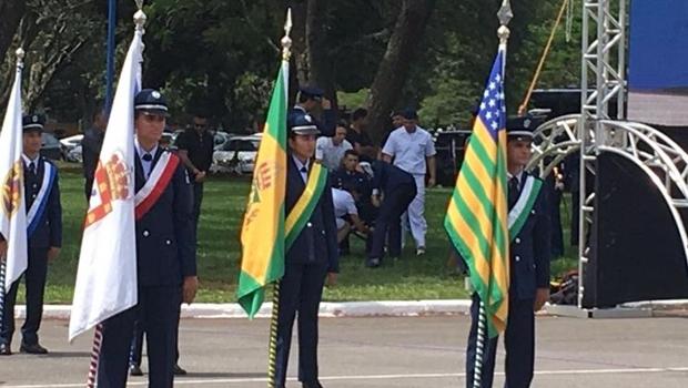 Agradecimento a Dilma e desmaio de militar marca evento de novo comando da Aeronáutica