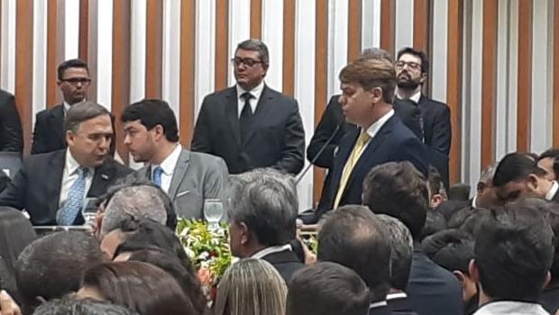Em discurso de posse, Bruno Peixoto deu destaque à transparência exigida pela população