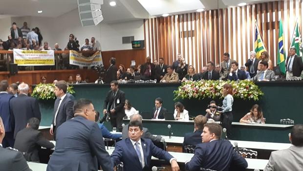Lissauer Vieira é eleito presidente da Alego, em votação tumultuada
