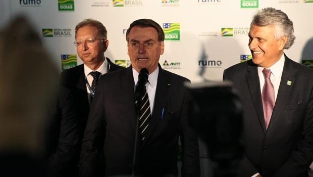 Presidente Jair Bolsonaro (sem partido) e governador Ronaldo Caiado (DEM) fortalecem laços e apostas do governo federal são testadas no Estado