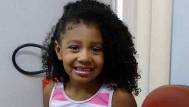 Menina de 9 anos, que teria sido baleada por PM, não resiste e morre nesta madrugada