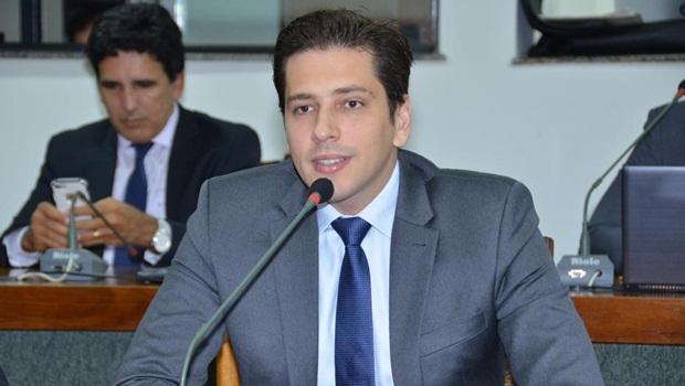 Deputado Olyntho Neto (PSDB) apresentou projeto que prevê isenção de ICMS na compra de armas de fogo e munições
