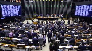 Câmara adia votação do projeto sobre recuperação fiscal dos estados novamente
