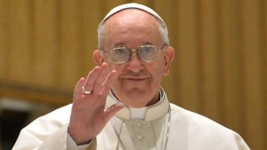 """Papa pede compreensão sobre """"situações familiares irregulares"""""""