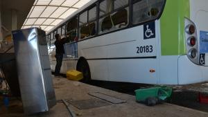 Ônibus saem de circulação às 20h desta sexta e voltam a operar na manhã de sábado