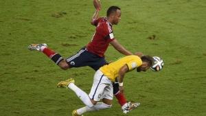 Fifa descarta punição a Zuñiga pela lesão causada em Neymar