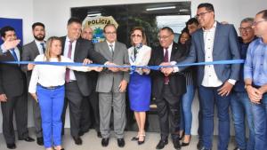 Trindade inaugura delegacia que irá atender 21 municípios do Estado