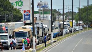 Dilma deve sancionar integralmente Lei dos Caminhoneiros